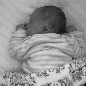 Sprechstunde Saeuglinge Kleinkinder STILL ACADEMY ein schlafendes Baby